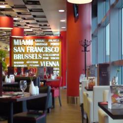 Abu Dhabi Airport T3 Foodcourts